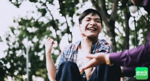 Nụ cười luôn thường trực trên môi dù anh có số phận thiệt thòi so với người bình thường